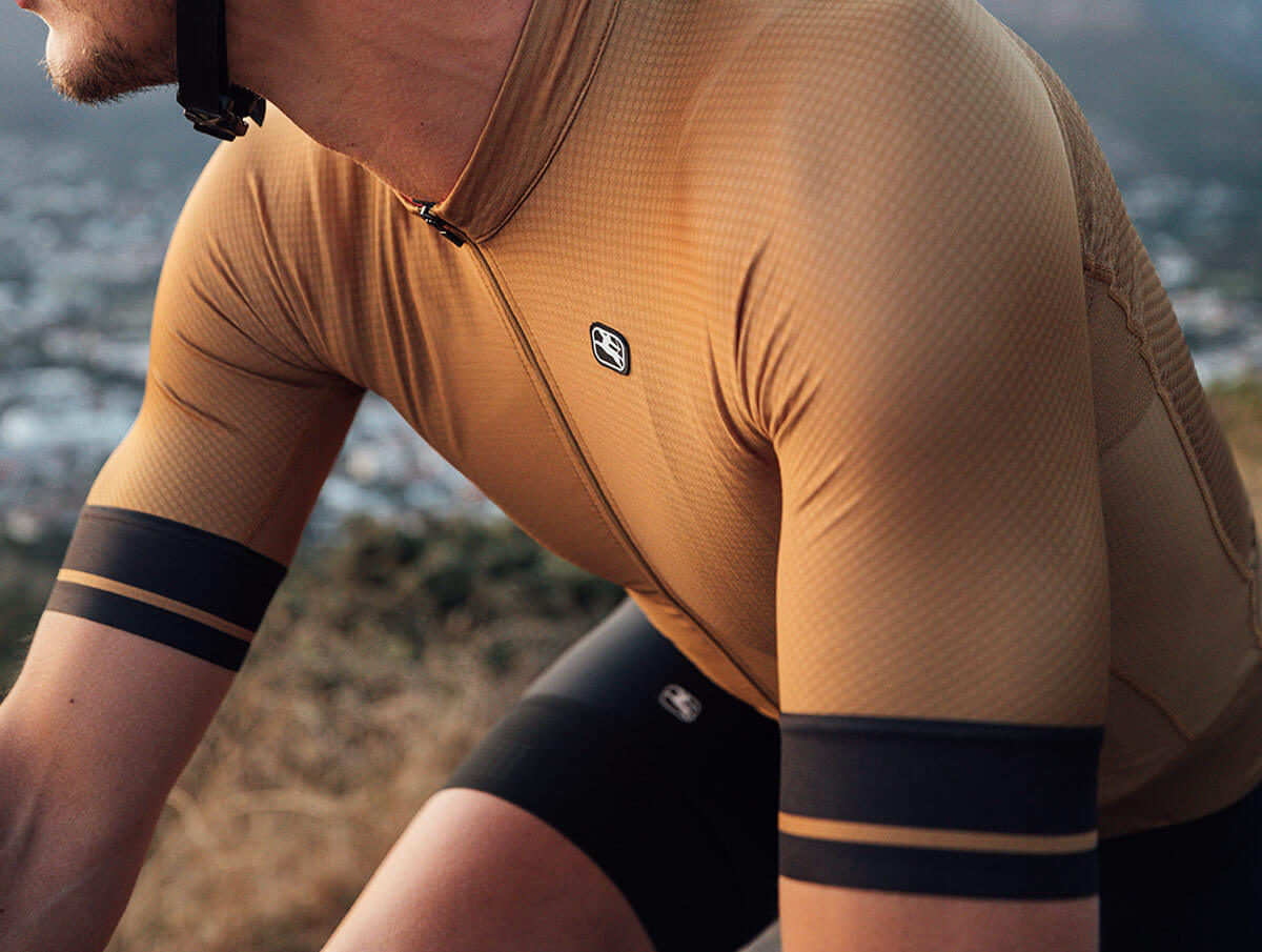 giordana-cycling-jersey-guide-fr-c-med-1