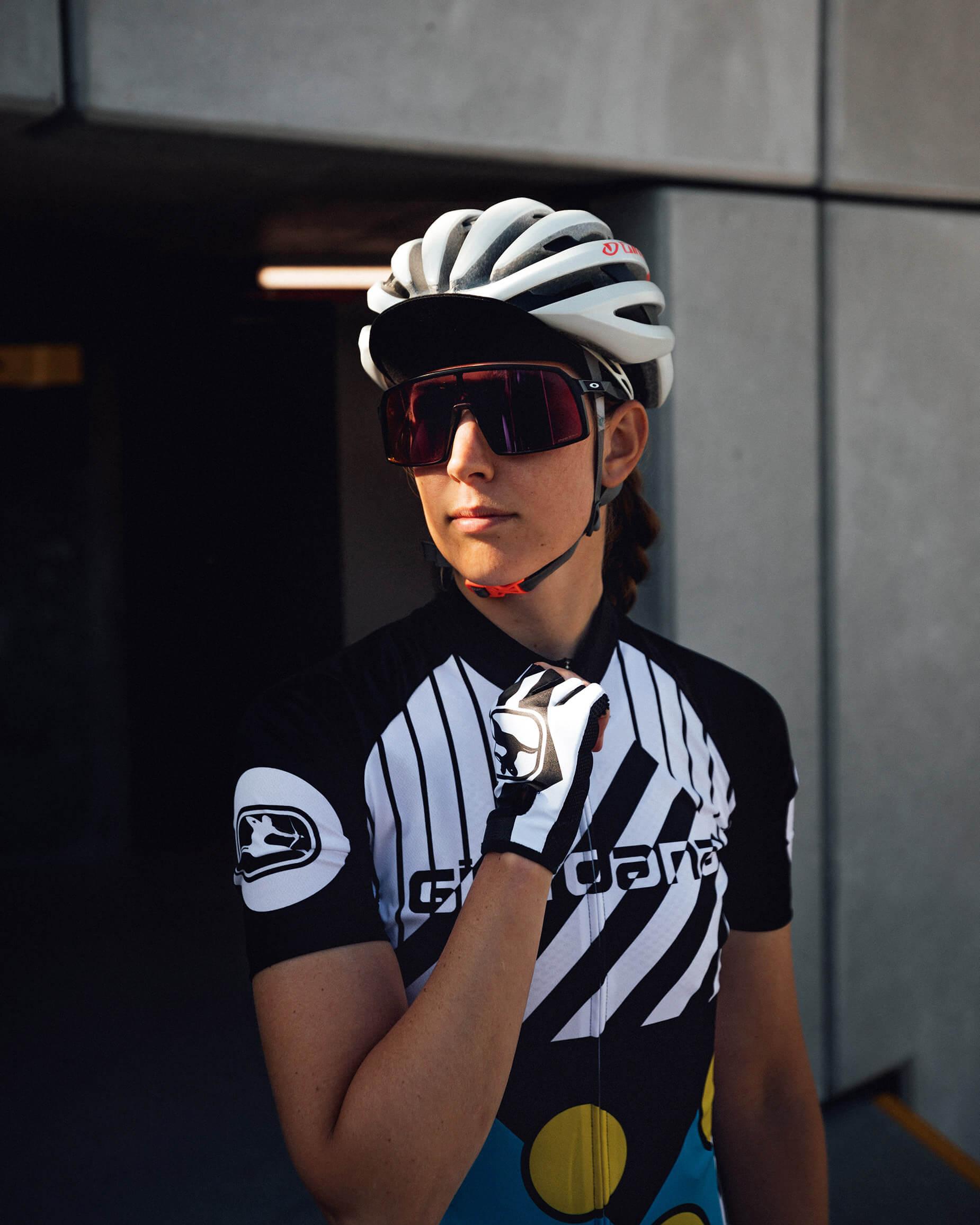 giordana-cycling-moda-retro-lookbook-portrait-3-motivo-black